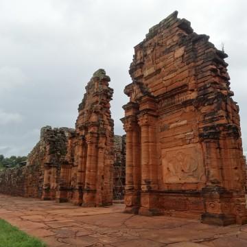 Misión Jesuítica Guaraní San Ignacio Miní & Mina de piedras preciosas de Wanda